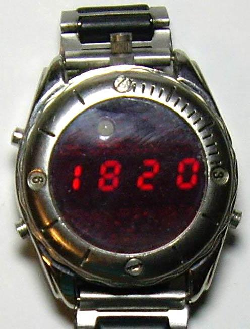Многофункциональные наручные LED часы